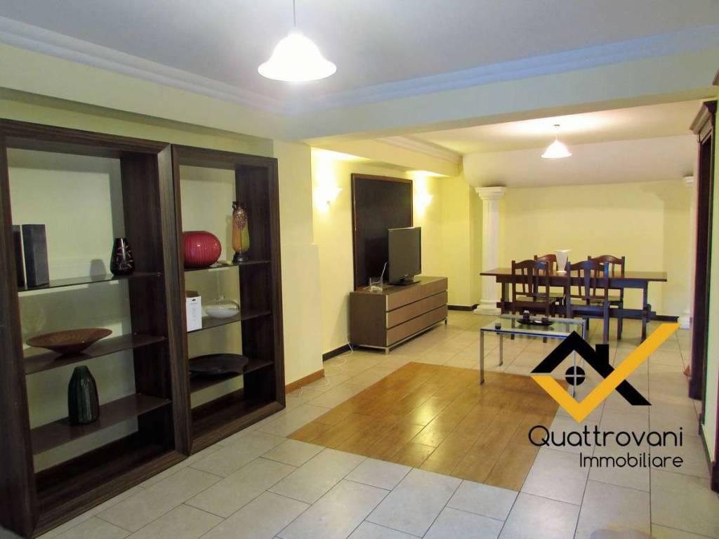 Appartamento in ottime condizioni arredato in affitto Rif. 9337785