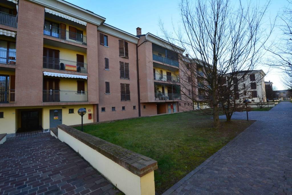 Appartamento in ottime condizioni in affitto Rif. 9331766