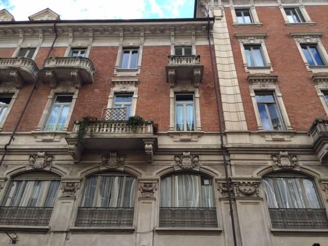 Appartamento in ottime condizioni arredato in affitto Rif. 9338348