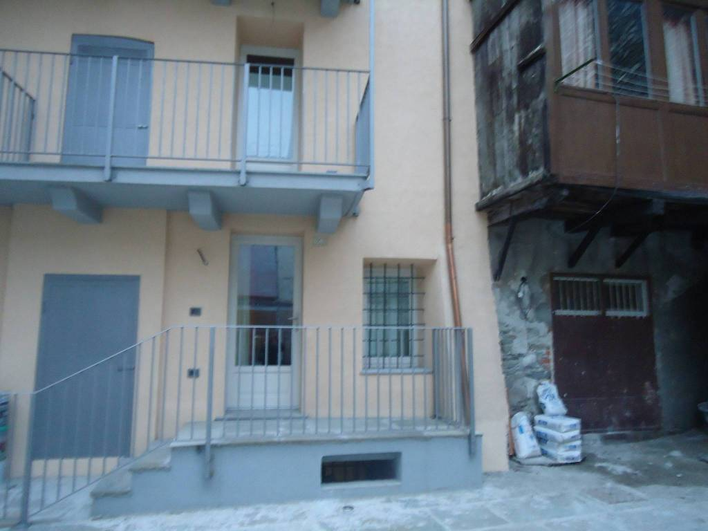 Appartamento in ottime condizioni arredato in affitto Rif. 9334960