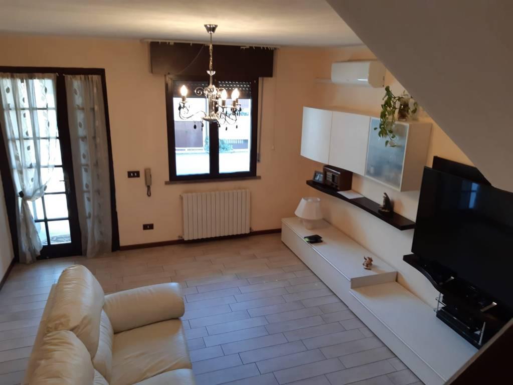 Villetta a schiera in ottime condizioni in vendita Rif. 9332582