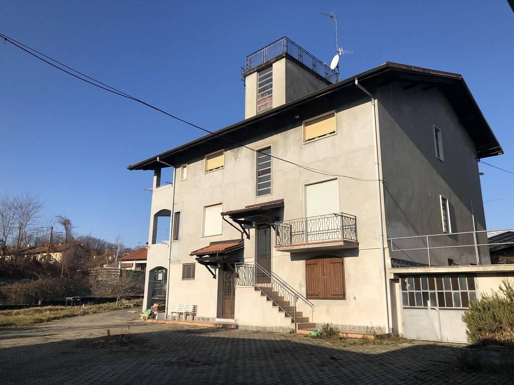 Casa Indipendente in buone condizioni in vendita Rif. 9269786