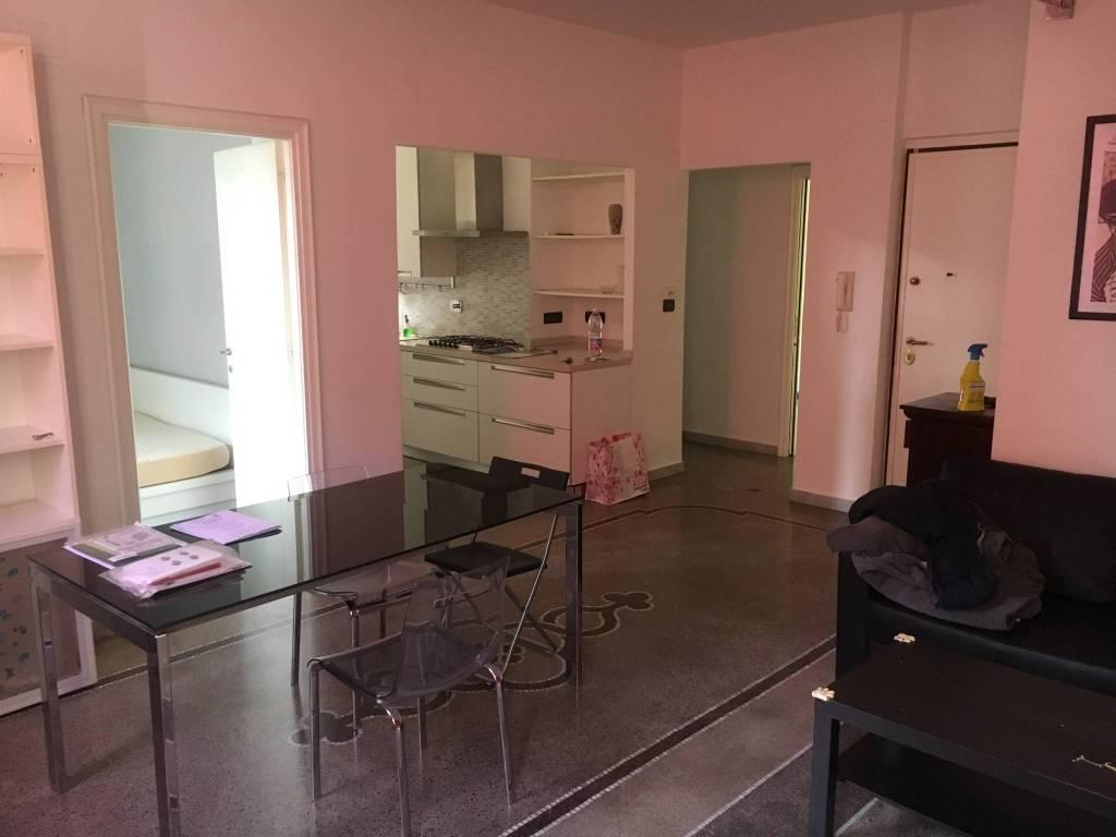 Appartamento in ottime condizioni arredato in affitto Rif. 9335745