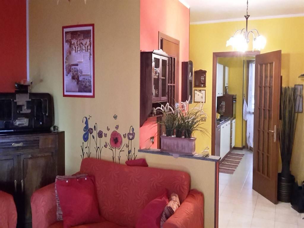 Appartamento in ottime condizioni in vendita Rif. 9337470
