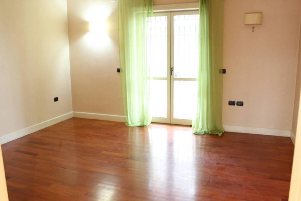 Appartamento in buone condizioni in vendita Rif. 8426679
