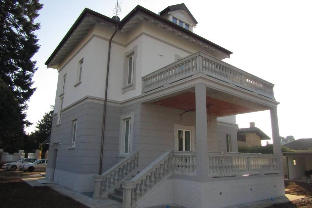 Uboldo - affittasi Trilocali in Villa d'epoca