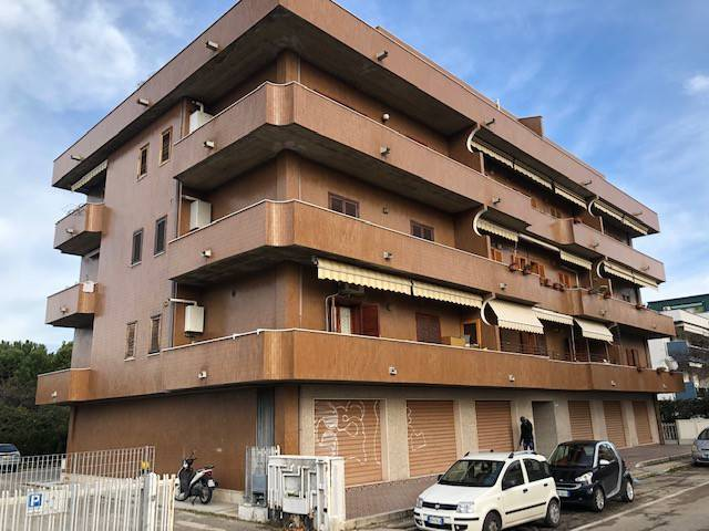 Appartamento in ottime condizioni in vendita Rif. 9336212