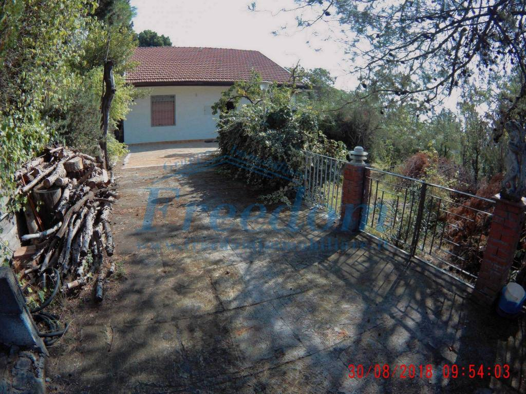 Villa in Vendita a Pedara Centro: 3 locali, 120 mq