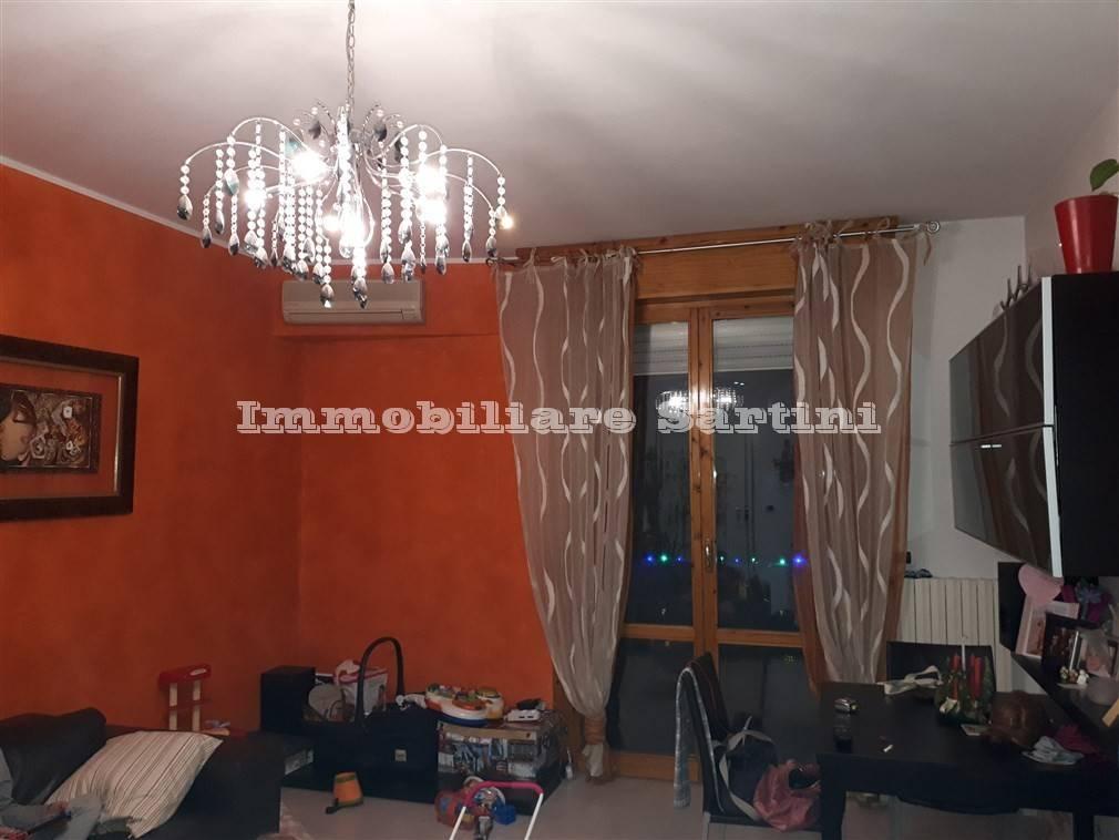 Appartamento in ottime condizioni in vendita Rif. 9332963