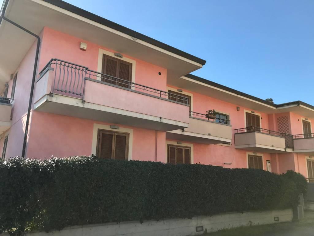 Ufficio / Studio in affitto a Pontecagnano Faiano, 3 locali, prezzo € 550 | CambioCasa.it