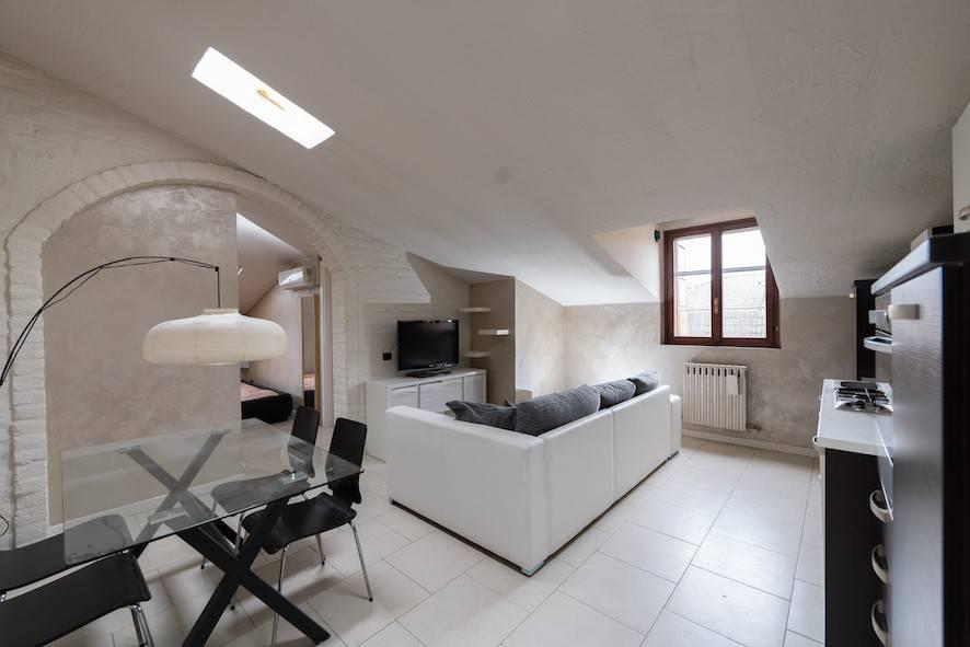 Appartamento in ottime condizioni arredato in vendita Rif. 9332225