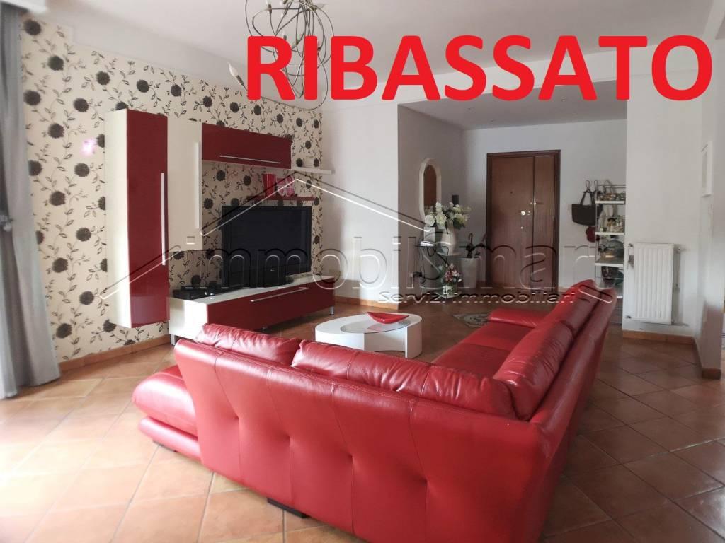 Appartamento in ottime condizioni in vendita Rif. 9337891