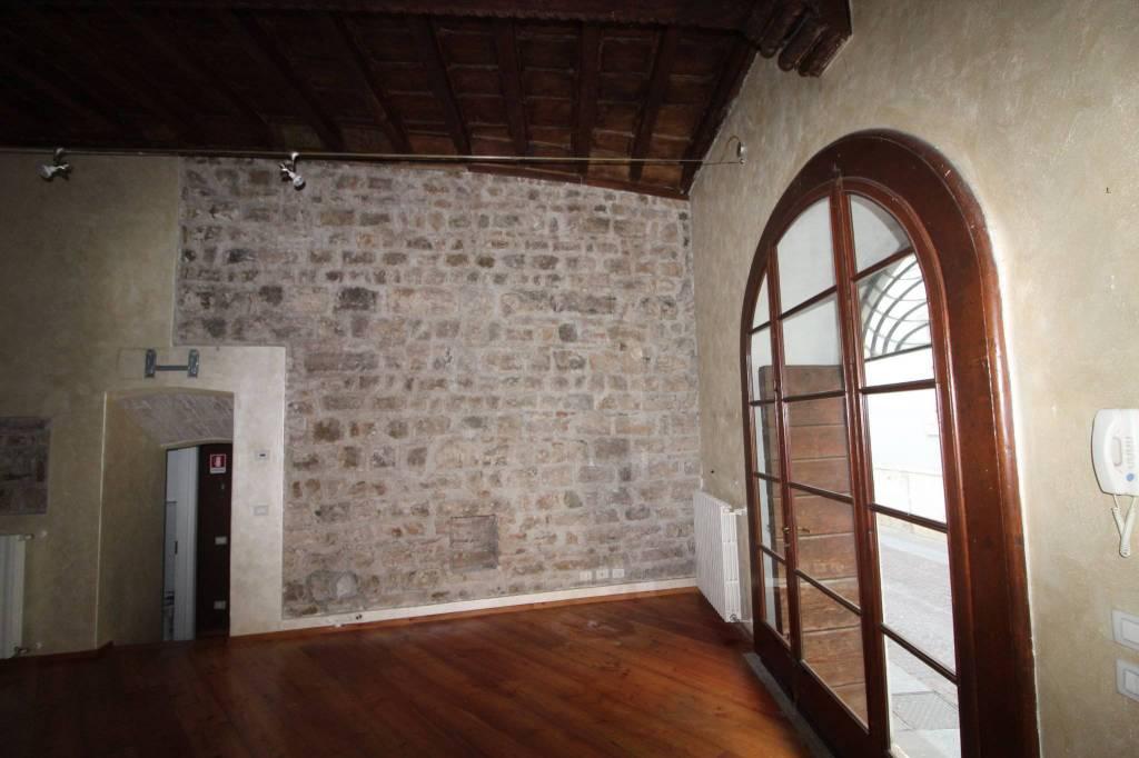 Negozio monolocale in affitto a Brescia (BS)