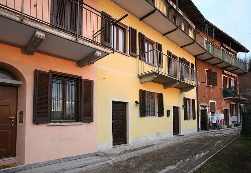 Appartamento in ottime condizioni in vendita Rif. 9244947
