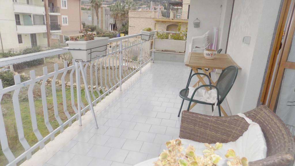Appartamento in ottime condizioni in vendita Rif. 9345937
