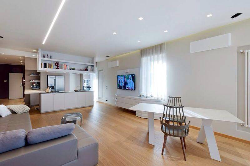 Appartamento in ottime condizioni arredato in vendita Rif. 9344305