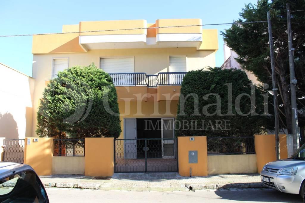 Casa indipendente in Vendita a Sannicola Centro: 5 locali, 263 mq