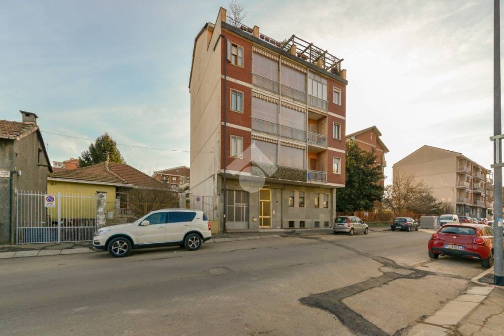 Appartamento in ottime condizioni in vendita Rif. 9347143
