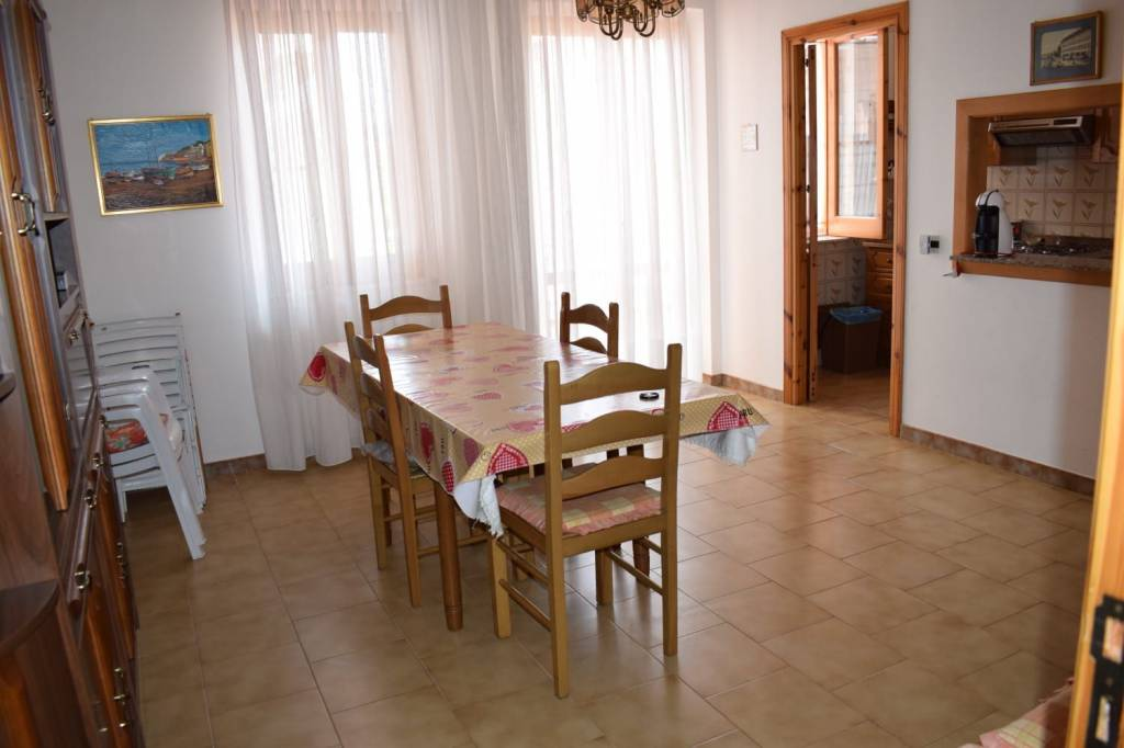 Appartamento trilocale in vendita a Oliveri (ME)