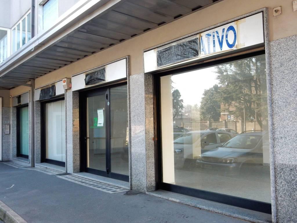 Negozio / Locale in vendita a San Giorgio su Legnano, 2 locali, prezzo € 122.000 | PortaleAgenzieImmobiliari.it