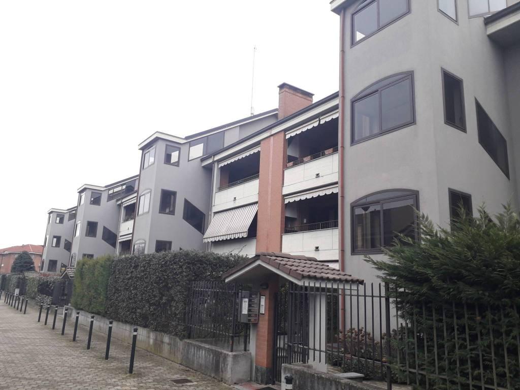 Appartamento in buone condizioni in vendita Rif. 9345431