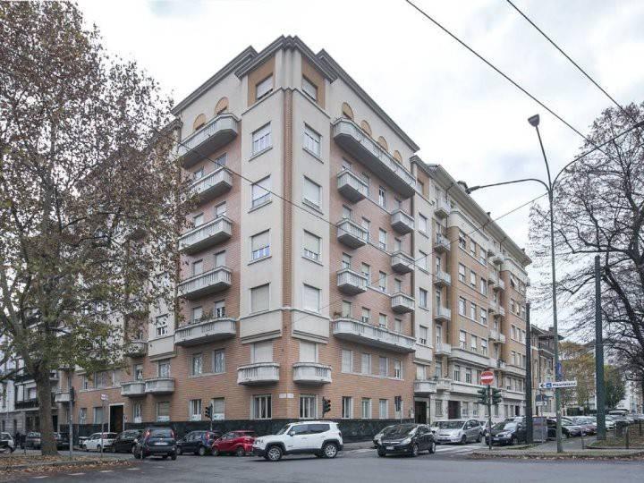 Appartamento in ottime condizioni in affitto Rif. 9350911