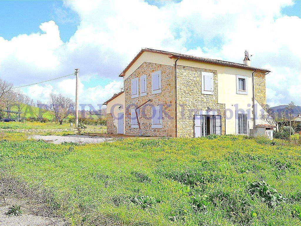 Rustico / Casale in ottime condizioni in vendita Rif. 9304738