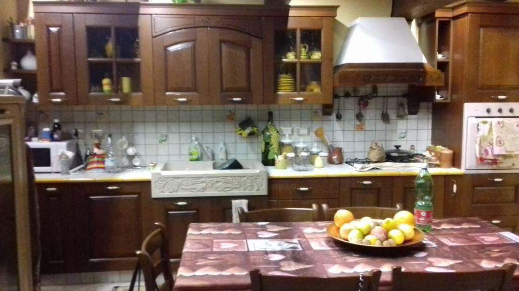 Villa a Schiera in affitto a Mascalucia, 7 locali, prezzo € 1.000 | CambioCasa.it