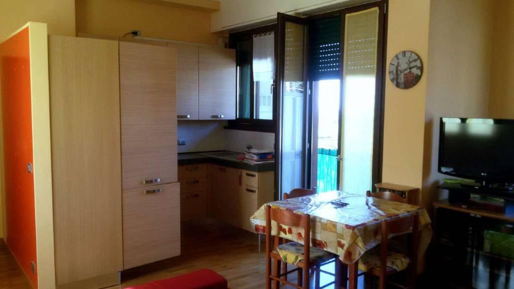 Appartamento in vendita a Besana in Brianza, 2 locali, prezzo € 119.000   CambioCasa.it