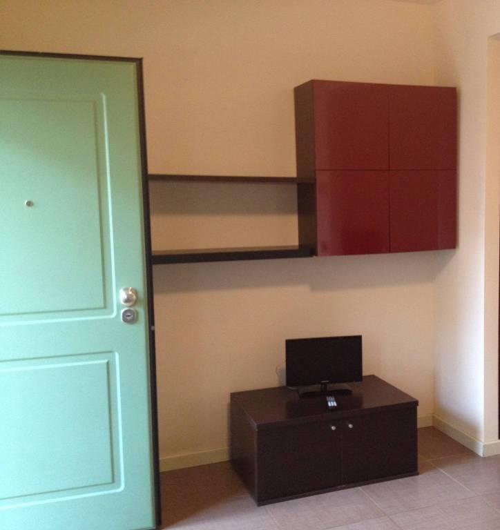 Appartamento in buone condizioni arredato in affitto Rif. 9347163