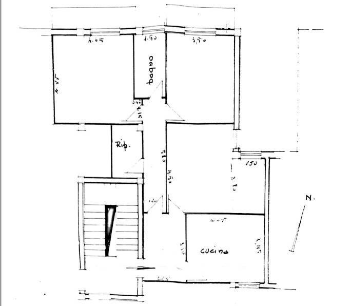 Appartamento in buone condizioni in vendita Rif. 9345939