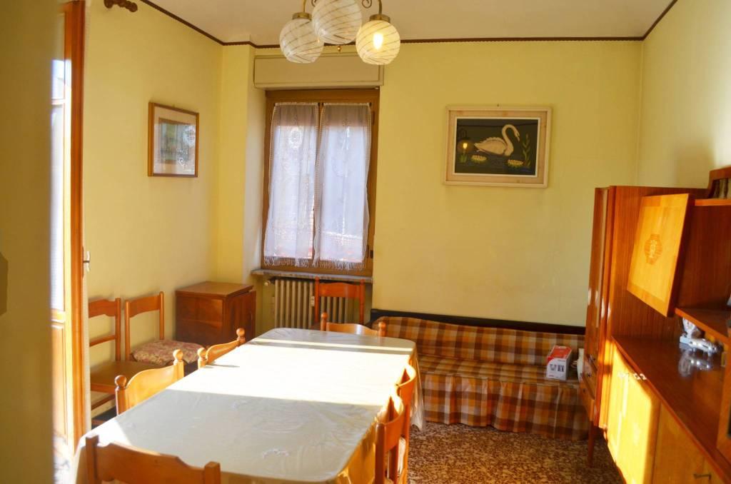 Appartamento da ristrutturare in vendita Rif. 9364739