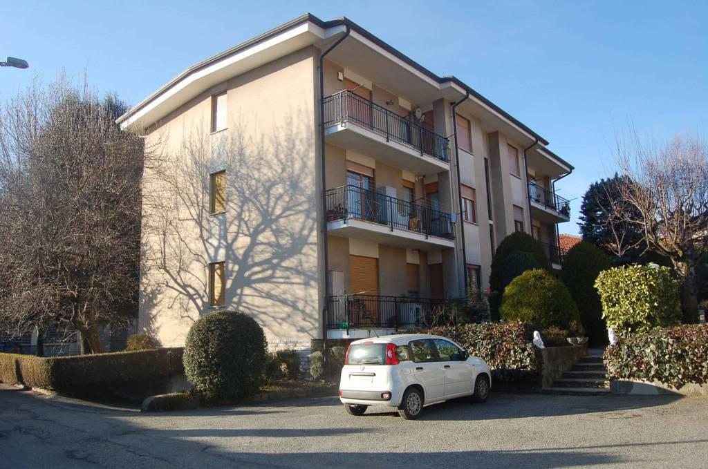 Appartamento in ottime condizioni in vendita Rif. 9365017
