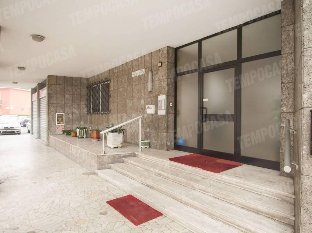 Appartamento da ristrutturare in vendita Rif. 9488333