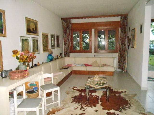 Villa in buone condizioni in vendita Rif. 9359559