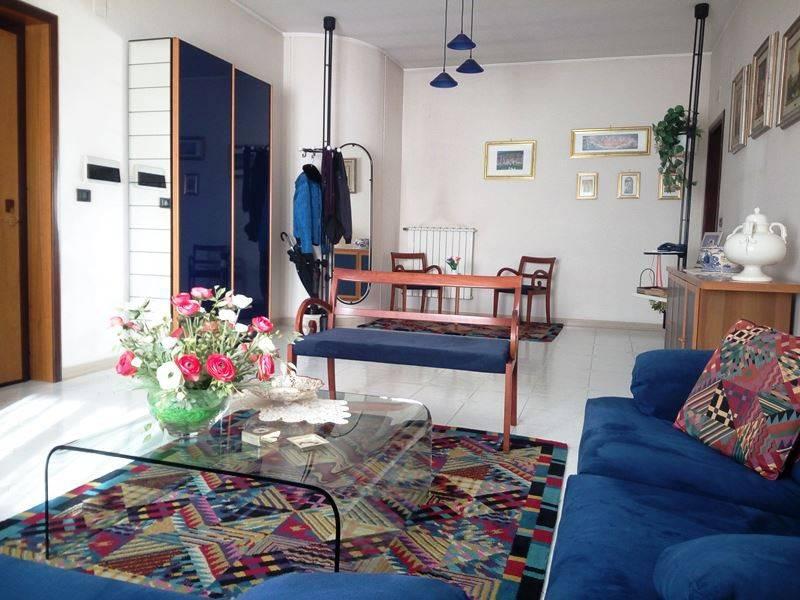 Appartamento in ottime condizioni in vendita Rif. 9358861