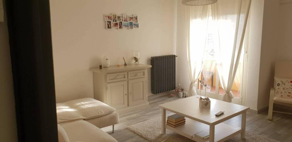 Appartamento in buone condizioni in vendita Rif. 8522946