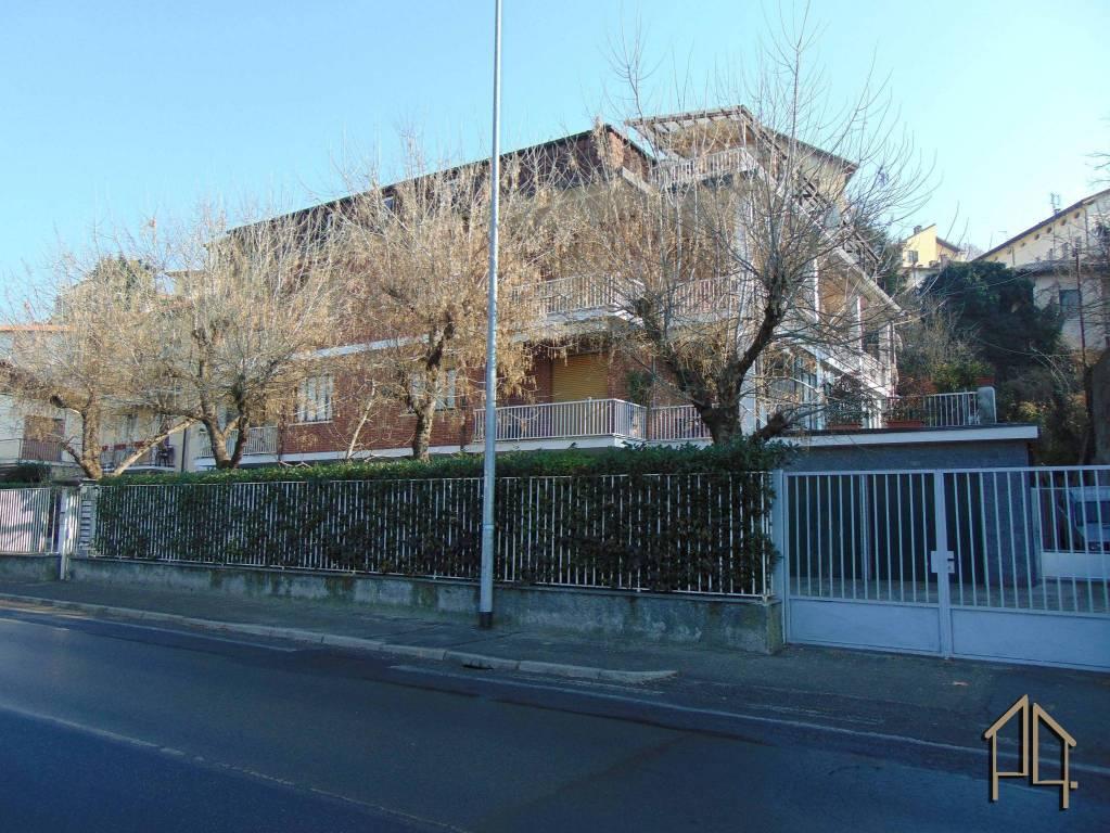 Trilocale in piccola palazzina in affitto a Moncalieri