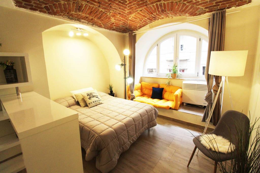 Appartamento parzialmente arredato in vendita Rif. 9365048