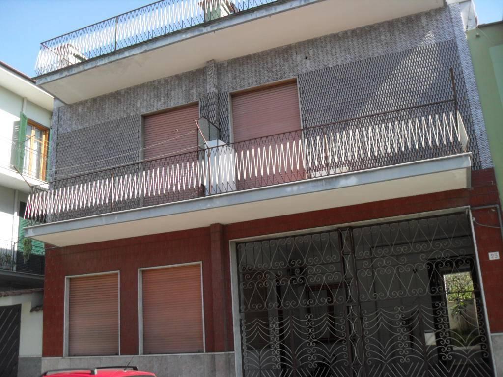 Appartamento da ristrutturare in vendita Rif. 9363566
