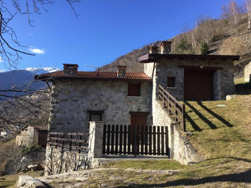 Rustico / Casale in vendita a Berzo Demo, 4 locali, prezzo € 170.000 | CambioCasa.it