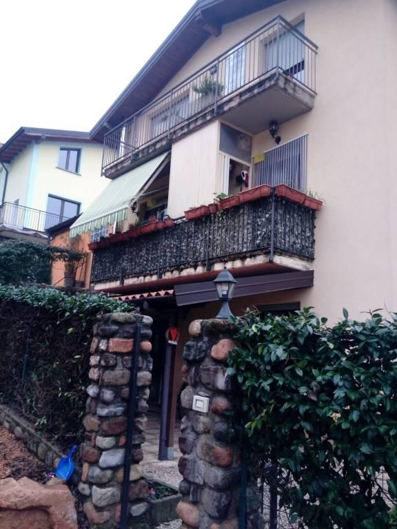 Appartamento in vendita a Cuasso al Monte, 3 locali, prezzo € 170.000 | CambioCasa.it
