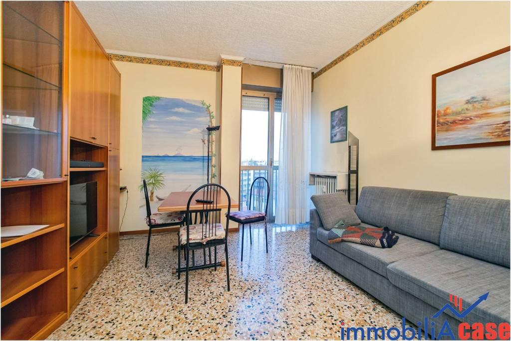 Appartamento in buone condizioni in vendita Rif. 9380914