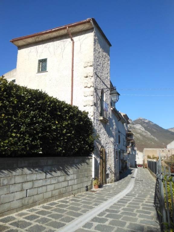 Foto 1 di Casa indipendente via Pendino, frazione Vaglie, Galluccio