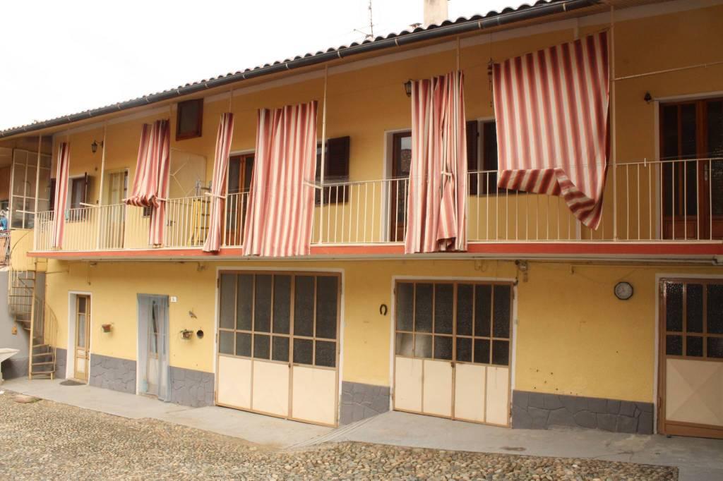 Casa Indipendente in buone condizioni in vendita Rif. 9377549