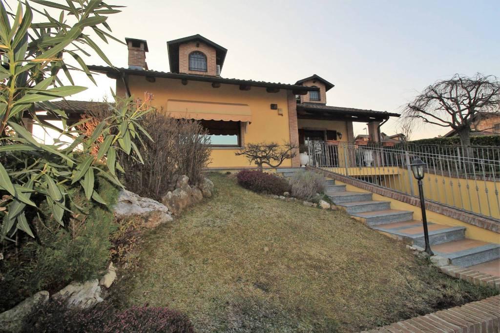 Villa in ottime condizioni in vendita Rif. 9374959