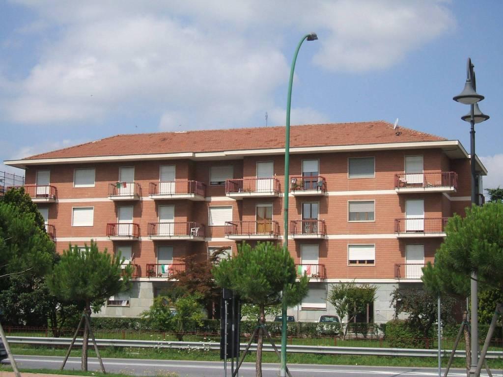 Appartamento in buone condizioni in vendita Rif. 9378589