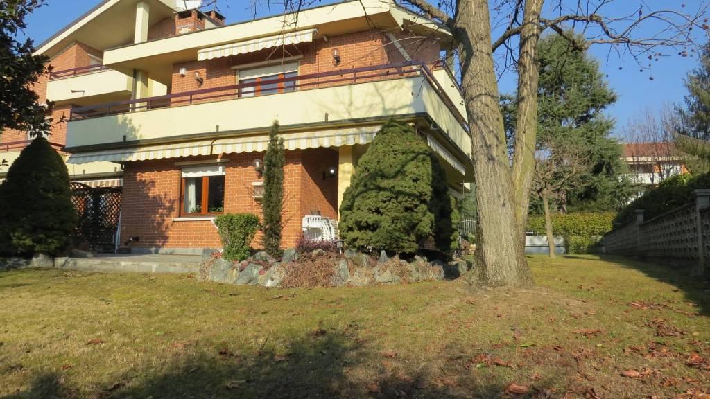Villa in buone condizioni in vendita Rif. 9380303