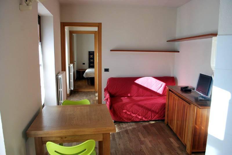 Appartamento in affitto a Alba, 2 locali, prezzo € 360 | CambioCasa.it