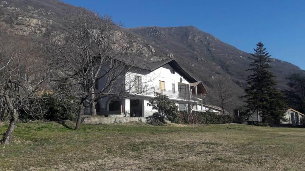 Villa in buone condizioni in vendita Rif. 9376194